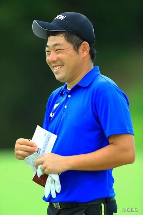 ナイスぷれーだもん、そりゃ笑顔出ちゃうよねぇ。 2016年 アジアパシフィック選手権ダイヤモンドカップ 2日目 小池一平
