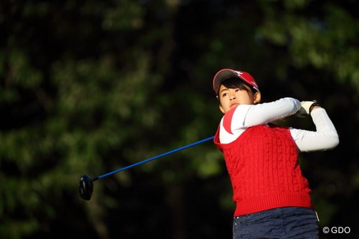 注目の中でのプレー。長野は後半にしっかりペースを取り戻し、スコアを伸ばした 2016年 日本女子オープンゴルフ選手権競技 2日目 長野未祈