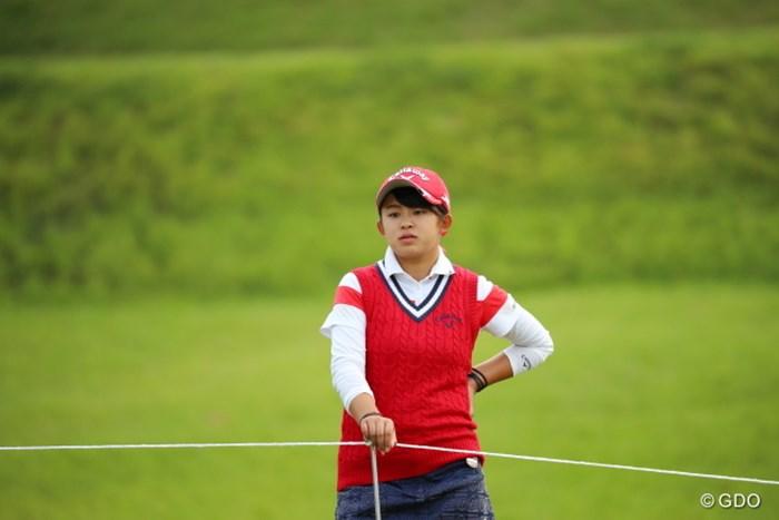プレーと練習が終わった後、他の選手たちのプレーぶりを観戦していた。 2016年 日本女子オープンゴルフ選手権競技 2日目 @長野未祈