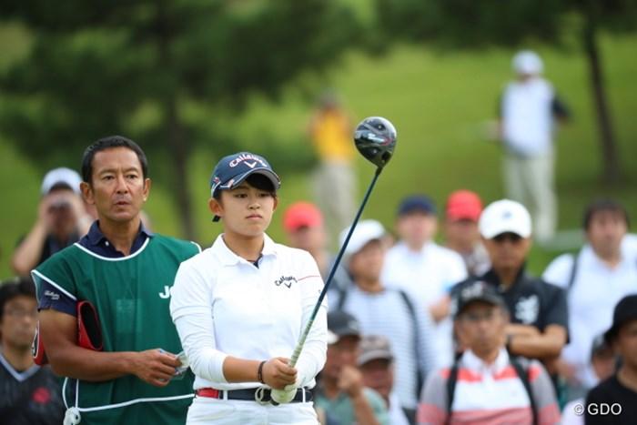 彼女は何度でも仕切り直す。納得のいくアドレスが取れなければ。プロだね。 2016年 日本女子オープンゴルフ選手権競技 3日目 長野未祈
