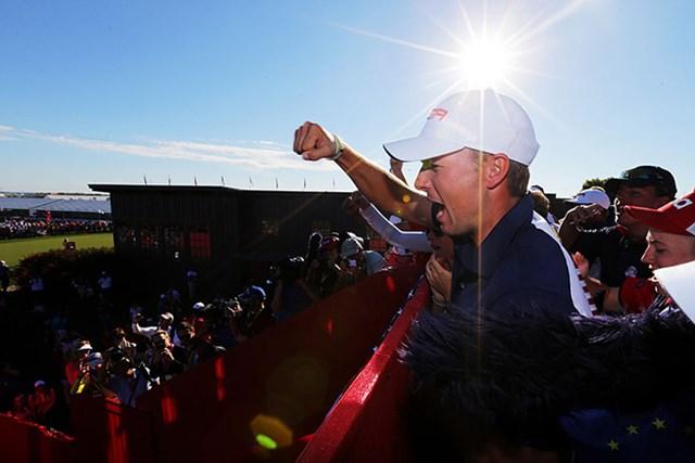 米国選抜が8年ぶりの優勝。チーム全員で勝利の美酒に酔いしれた(Streeter Lecka/Getty Images)