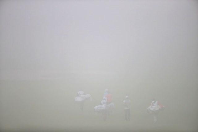 2016年 スタンレーレディスゴルフトーナメント 2日目 競技短縮 濃霧と雨に悩まされ続ける今大会。ここ10年で半分は54ホールを消化することができていない。