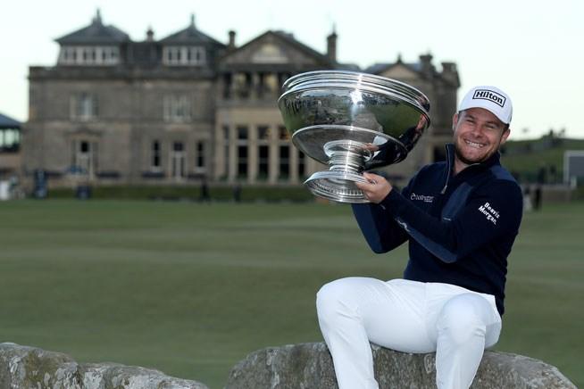 ハットンがゴルフの聖地でツアー初勝利