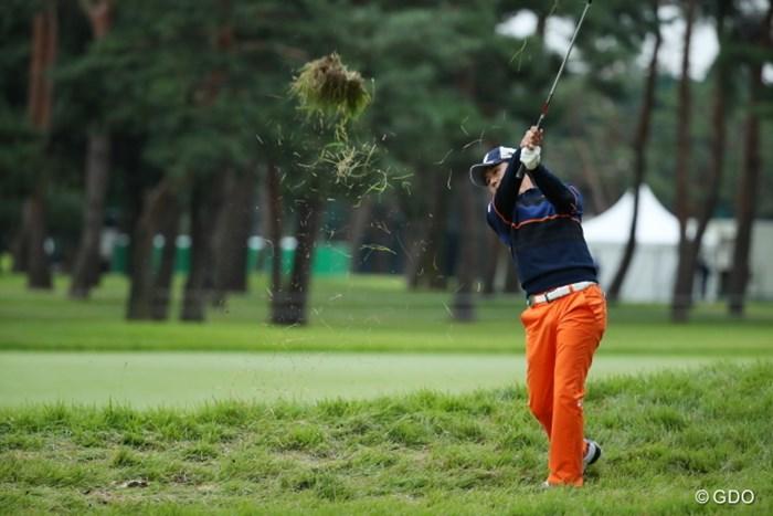 結構なパワーがないとラフには手も足も出ない。 2016年 日本オープンゴルフ選手権競技 初日 近藤共弘