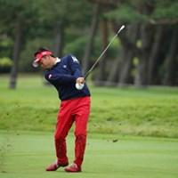 スイングの時けっこう右膝が前に出ちゃうのね。僕ならすぐシャンクしちゃう。 2016年 日本オープンゴルフ選手権競技 初日 池田勇太