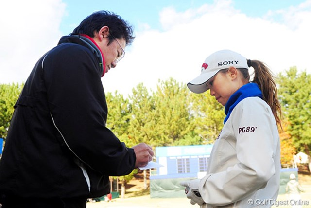 古田敦也とのラウンドは4年ぶり。「球も変わったし、外見も変わったね」と言われた上田桃子
