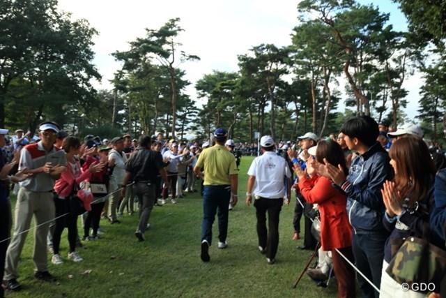 2016年 日本オープンゴルフ選手権競技 最終日 松山英樹 この背中を見て、多くの若者が世界へと続いていくはずだ