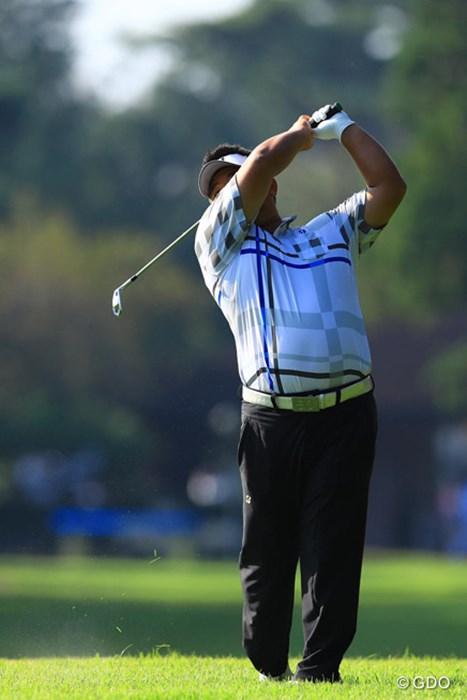 背中側からだと確実に顔が見えないのです。 2016年 ブリヂストンオープンゴルフトーナメント 初日 宮里聖志