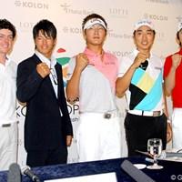 R.マキロイ、D.リーらと共に「韓国オープン」の公式会見に出席した石川遼 2009年 韓国オープン 事前 石川遼