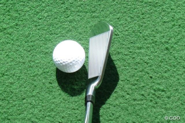 本間ゴルフ TW737 Vs アイアン 構えたときの画像