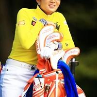 4番ティ待ち時間は、ボミちゃんのサービスタイム! 2016年 樋口久子 三菱電機レディスゴルフトーナメント 2日目 イ・ボミ
