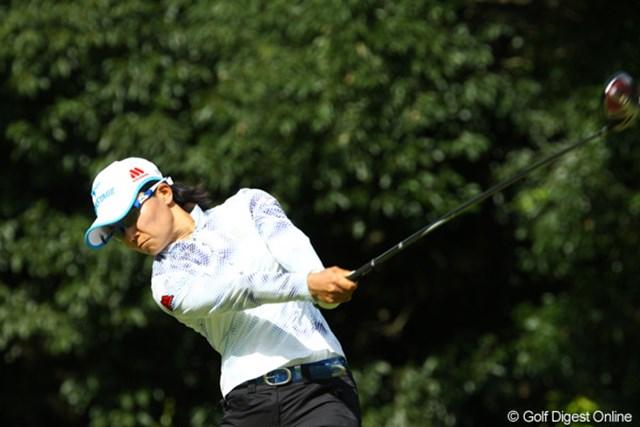 2009年 日本女子プロゴルフ選手権コニカミノルタ杯 2日目 上原彩子 「しのいで、しのいで」のゴルフで、この日は「73」。2位に後退した上原彩子