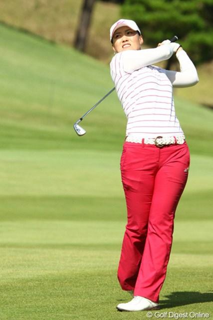 2009年 日本女子プロゴルフ選手権コニカミノルタ杯 2日目 飯田マリア 日系3世の飯田マリアが3位タイ。拠点の豊川に近く、応援を味方につけての躍進だ