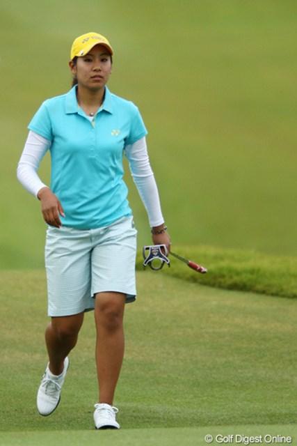2009年 日本女子プロゴルフ選手権コニカミノルタ杯 2日目 若林舞衣子 ランドセルが似合いますよねぇ。だってそれ・・・通学帽ってやつですよね?