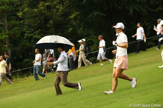 2009年 日本女子プロゴルフ選手権コニカミノルタ杯 2日目 古閑美保 「危ないっ!!!」今季初の予選落ちの危機でしたが、6オーバー50位タイで予選通過。下り坂もお気を付けください。
