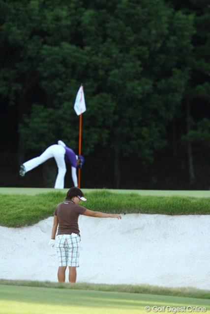 2009年 日本女子プロゴルフ選手権コニカミノルタ杯 2日目 茂木宏美 正解は、素直にアンプレアブルです。どんな状況でも、「どりや~~~~っ」って打つあなた・・・無理はなさらぬように。