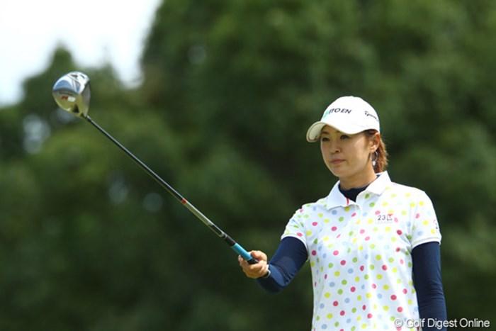 まるで広告のような写真です。狙いどころを決める姿も「ビューティー」です。 2009年 日本女子プロゴルフ選手権大会コニカミノルタ杯 最終日 日下部智子