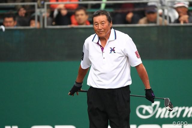2016年 ダンロップフェニックストーナメント 2日目 尾崎将司 尾崎将司は今季9回目の途中棄権でシーズンを終了。意味ありげな言葉を残してコースを去った