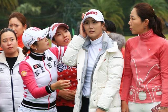 2016年 LPGAツアー選手権リコーカップ 最終日 キム・ハヌル えっどこかおかしい?