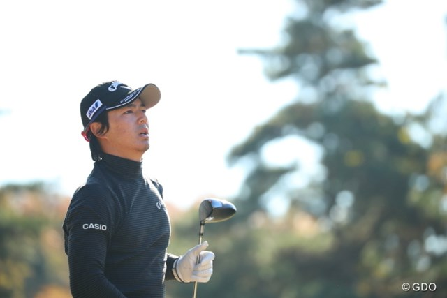 2016年 ゴルフ日本シリーズJTカップ 3日目 石川遼 飛んでいく球を追う目。飛距離も出るからこその遠い目なのだ。