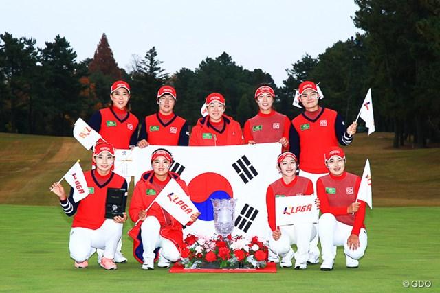 2016年 THE QUEENS presented by KOWA 最終日 韓国チーム 韓国が前年のリベンジを果たし優勝した