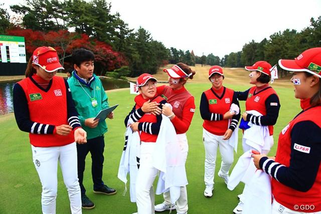 申ジエ(中央)に率いられた韓国チームは前年のリベンジに成功した