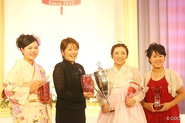ささきしょうこ 福嶋浩子 イ・ボミ 畑岡奈紗 受賞した4選手。イ・ボミは最多の5冠となった