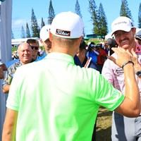 友達のジョーダン・スピースとジミー・ウォーカーがお祝いに駆けつけた 2017年 SBSトーナメントofチャンピオンズ 最終日 ジャスティン・トーマス