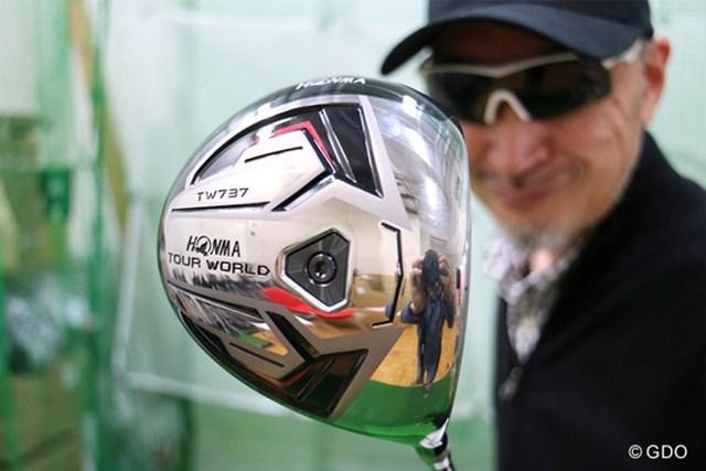 男子ツアー、女子ツアーにも抜群の人気、アスリートゴルファー憧れの『本間ゴルフ TOUR WORLD TW737 450 ドライバー』をマーク金井が徹底検証
