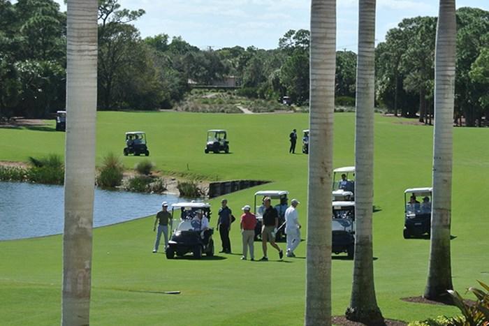 ショートパンツでプレーするアーニー・エルスの姿も 2017年 日米ゴルフ外交 トランプナショナルGCジュピター 安倍首相 トランプ大統領