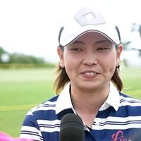 小宮満莉花は笑顔で初の優勝インタビューに応じた 2017年 グアム知事杯女子ゴルフトーナメント 最終日 小宮満莉花
