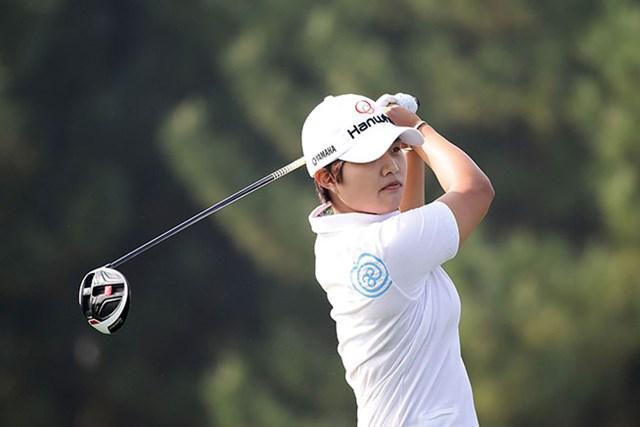 ディフェンディングチャンピオンの野村敏京。首位に迫って後半へ折り返した(Chung Sung-Jun/Getty Images)