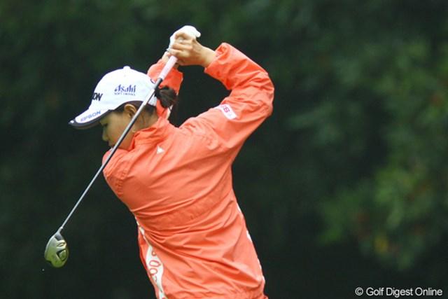 2009年 日本女子オープン 2日目 横峯さくら ゲームプランがばっちり決まったこの日の横峯。2日間、順調なプレーが続く。