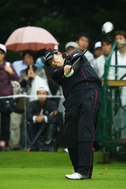 2009年 日本女子オープン 2日目 福嶋晃子 福嶋晃子は最終ホールで気合のバーディ!グランドスラムの快挙なるか!?