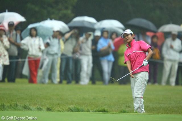 2009年 日本女子オープン 2日目 宮里藍 今日は、雨水を多く含んで重くなったラフに苦しめられた選手も多かったようです。