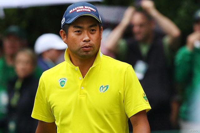 マスターバニーのウェアを着る池田勇太。黄色地に緑のロゴをアレンジ