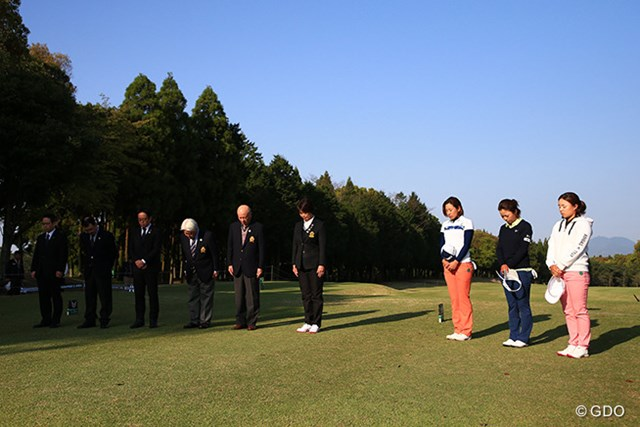 熊本地震から1年。スタート前に黙とうを捧げた