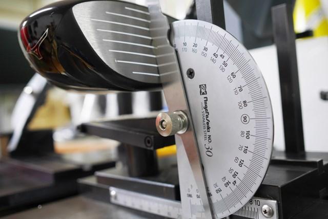 ミズノ MP TYPE-1 ドライバー マーク金井試打インプレッション ライ角は60.5度とアップライトであるが、ノーマルポジションでの重心角は17度と非常に小さい