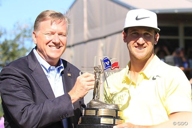 2017年 バレロテキサスオープン 最終日 ケビン・チャッペル ツアー初勝利を遂げたケビン・チャッペル(右)