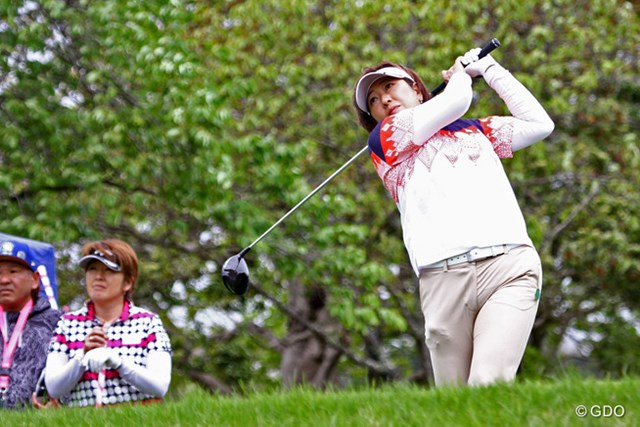 福嶋晃子が今季初戦。開幕前日は前年優勝の妹・福嶋浩子と練習ラウンドをともにした