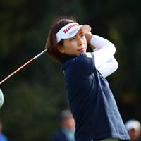 ママさんゴルファーが健闘中。強風を味方につけた佐藤靖子が86位から23位への急浮上を遂げた。 2017年 サイバーエージェント レディスゴルフトーナメント 2日目 佐藤靖子
