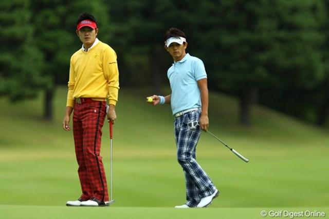 2009年 キヤノンオープン3日目 貞方章男&近藤共弘 仲良くチェック柄のパンツです。男子プロもお洒落ですねぇ。 使用カメラ:Canon EOS 50D