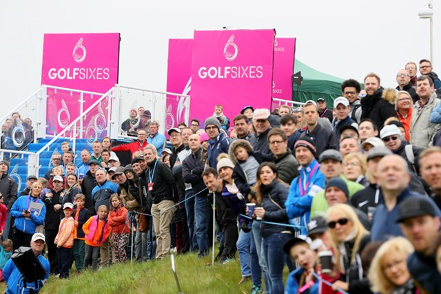 スピード感溢れ、エンターテイメントに満ちた大会に観客たちも興奮した(Andrew Redington/Getty Images)