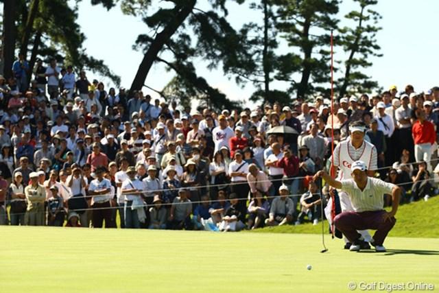 多くのギャラリーを引き連れた池田勇太。その存在感は、石川遼に勝るとも劣らなかった