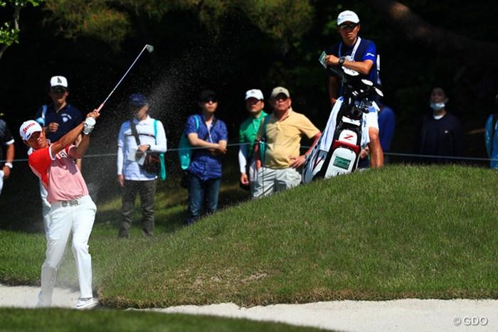選手とキャディの立ち位置が好き 2017年 関西オープンゴルフ選手権競技 3日目 山下和宏