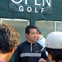 最終ホール(9番ショートホール)でなんとホールインワンを出し3位タイに飛び込んできた日置豊一 2009年 日本オープンゴルフ選手権競技 初日 日置豊一