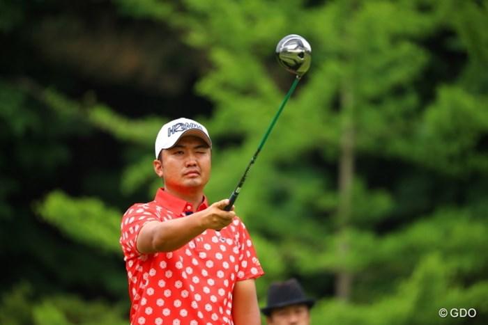 ポロシャツが派手だって言うなや。 2017年 日本ツアー選手権 森ビル杯 Shishido Hills 初日 小林伸太郎