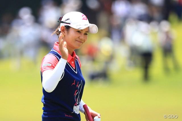 2017年 サントリーレディスオープンゴルフトーナメント 初日 宮里藍 宮里は首位と5打差の22位で発進。初日から藍スマイルを見せた