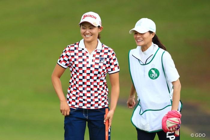 キャディとの相性良さそう 2017年 サントリーレディスオープンゴルフトーナメント 初日 西木裕紀子