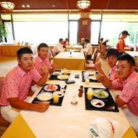 試合前の朝ごはん。日本人にとっては白米のない寂しい朝食。 2017年トヨタジュニアゴルフワールドカップ 日本男子